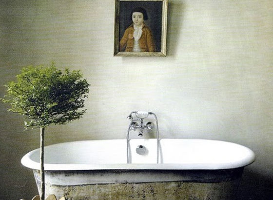 Bagno estivo con pianta