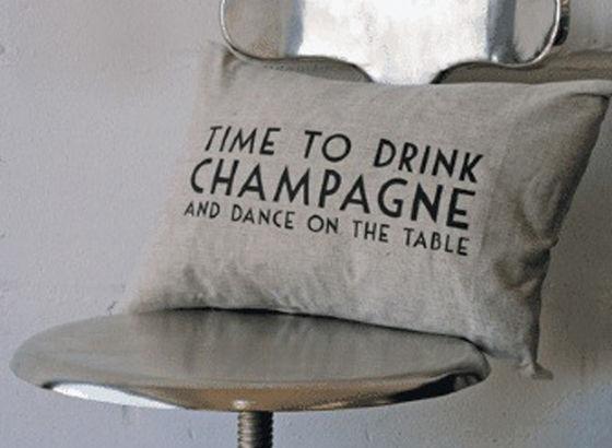 Cuscino di lino con scritta