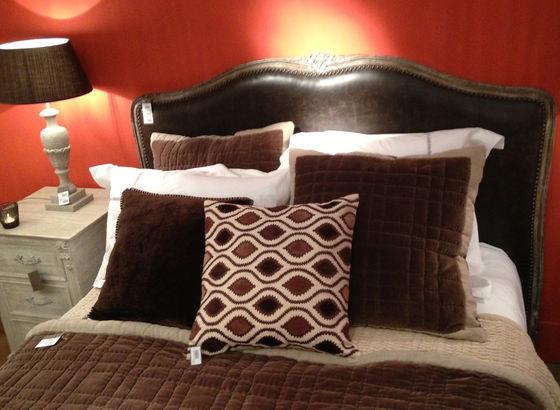 Camera da letto arancio/marrone