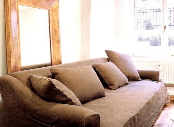 Stile grezzo divano lino